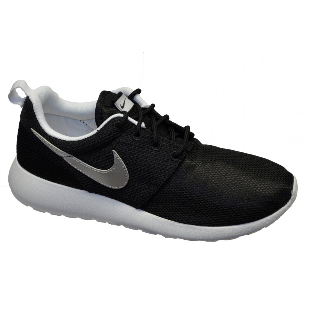 nike roshe run gs black  mtllc silver white n48 599728. u2039